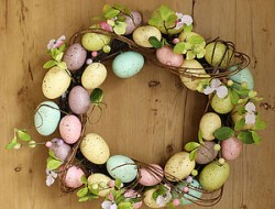 preview_spring-blossom-and-pastel-easter-egg-wreath